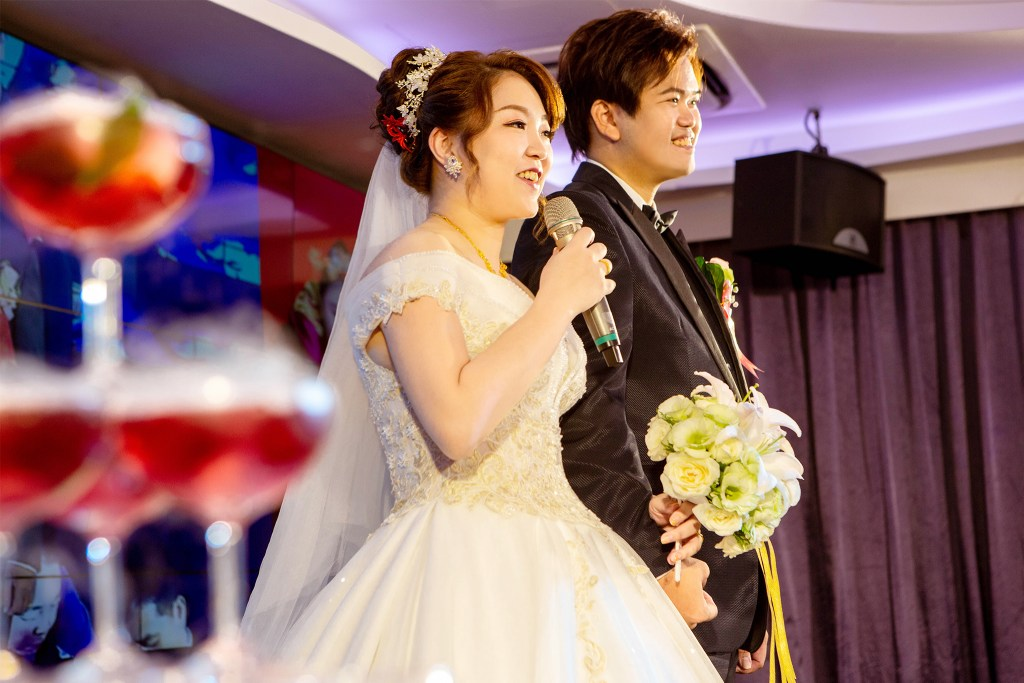 走過這赤紅色地毯以後,我們就是一家人了-台北婚禮攝影師,婚禮攝影師阿崑,婚禮攝影作品