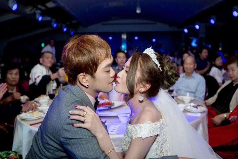 婚禮上,紅衣紅唇的焦點-台北婚禮攝影師,婚禮攝影師阿崑,婚禮攝影紀錄