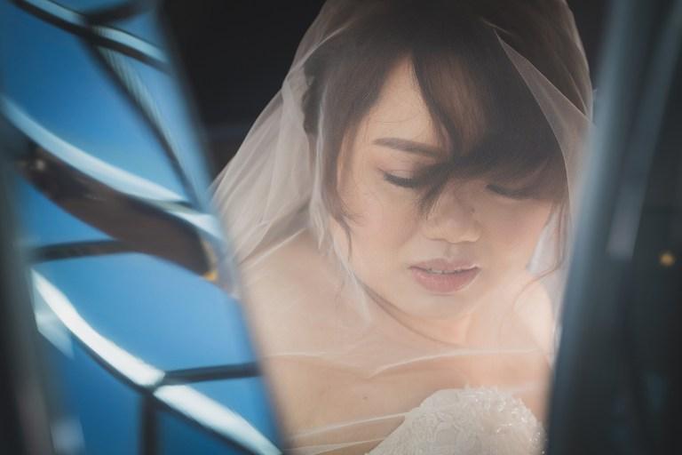 在讚美詩歌的環繞下,我們一起度過美好的神聖婚禮-婚禮紀錄攝影師